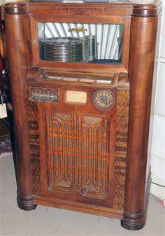 Old Record Player, Record Players, Jukebox, Vintage Antiques, Vintage Items, Lps, Radio Antigua, Radios, Primitive Furniture