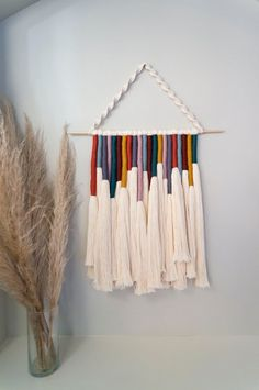 Macrame Wall Hanging Diy, Hanging Wall Art, Yarn Wall Art, Deco Nature, Rainbow Decorations, Diy Crafts Hacks, Macrame Design, Macrame Projects, Macrame Patterns