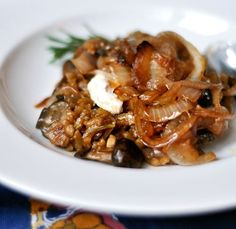 baked mushroom risotto with caramelized onions // vegan