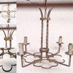 lustre trèfle à quatre feuilles fonte de fer quatre bras de lumière. XX siècle .