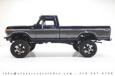I really adore this color for this lifted ford truck Big Ford Trucks, Dodge Diesel Trucks, 79 Ford Truck, Classic Ford Trucks, Farm Trucks, Ford 4x4, Lifted Ford, Cool Trucks, Obs Truck