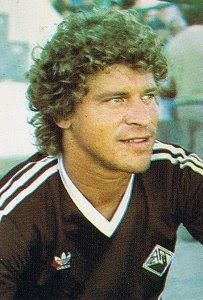 Eldon na Académica de Coimbra na temporada de 1987/88.