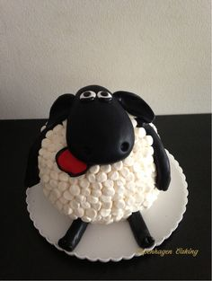 Timmy, baaaaaaah. Fondant and marshmallows to cover the cake