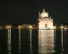 Venice Church Redentore at Night <3<3<3<3<3<3<3<3<3<3<3<3<3<3<3 no hay mejor lugar que este