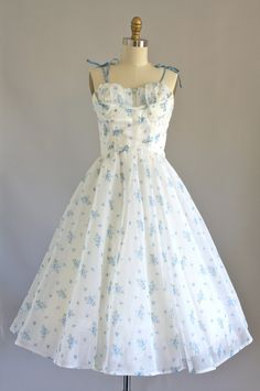 Vintage 50s Dress/ 1950s Party Dress/ Blue and White Floral Prom Party Dress w/ Sweetheart Neckline S