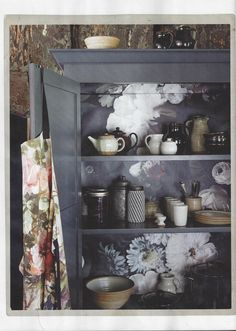 Looking for clever kitchen storage ideas? Precision planning is the key to turning a chaotic kitchen into a neat and tidy work space. Plum Walls, Dark Walls, Clever Kitchen Storage, Statement Wall, Ikea Kitchen, Kitchen Ideas, Neat And Tidy, Kitchen Pictures, Beautiful Space