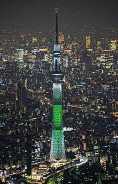 Tokyo Skytree, Japan, currently the highest tower in the world meters, was built between 2008 and Japon Tokyo, Tokyo Skytree, Places Around The World, Around The Worlds, Wonderful Places, Beautiful Places, Photographie New York, Places To Travel, Places To Visit