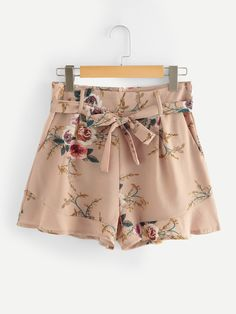 Shop Ruffle Hem Self Tie Waist Shorts at ROMWE, discover more fashion styles online. Short Outfits, Short Dresses, Cute Outfits, Romwe, Tie Waist Shorts, Blouse Designs, Boho Shorts, Fashion Outfits, Clothes For Women