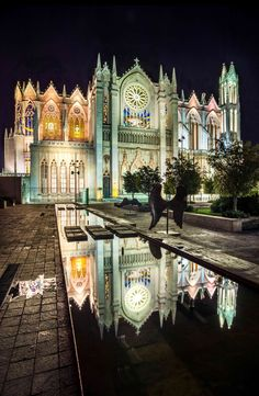 Templo expiatorio de Leon – Guanajuato, Mexico – Lighting products: iGuzzini…