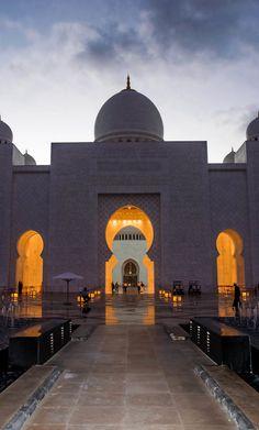 The Grand Mosque, Abu Dhabi by julian john, via 500px