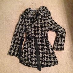Beautiful black and white coat brand new I got this as a gift but it's a size too big! In perfect condition and VERY stylish ! BCX Jackets & Coats Pea Coats
