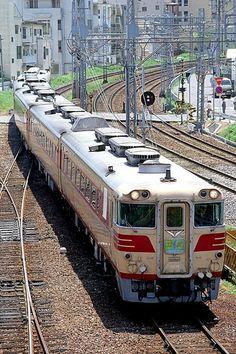 Kano鉄道局 キハ80系