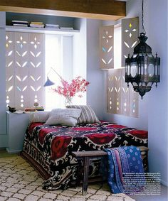 Photo, Elle Decor Photo, Domicile Interior Design I've been seeing a lot of Suzanis embroidered fabrics that are appearing all over great interior decor Moroccan Bedroom, Moroccan Decor, Modern Moroccan, Moroccan Style, Moroccan Design, Moroccan Interiors, Ethnic Bedroom, Moroccan Lighting, Moroccan Blue