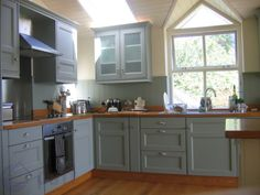 Turquoise kitchen units