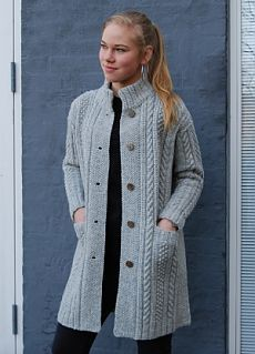 CLASSIC knit kit by designer Hanne Falkenberg of Denmark sizes S M L XL Full width 111 122 132 cm Total length 82 86 90 cm Sleeves from shoulder 50 52 54 cm Pattern includes all three sizes S M L XL Knitting Kits, Sweater Knitting Patterns, Cardigan Pattern, Coat Patterns, Knitting Designs, Knitting Ideas, Crochet Shirt, Crochet Cardigan, Knit Crochet