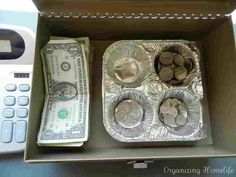 Great idea if you don't have a real money box!!! Garage Sale Organization, Garage Sale Tips, Organization Hacks, Organizing Tips, Garage Sale Pricing, Rummage Sale, Bake Sale, Craft Fairs, Getting Organized