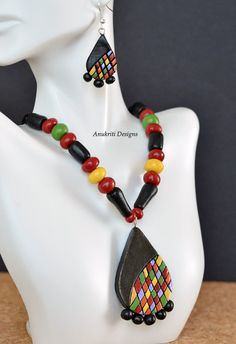 Black and multicolor terracotta necklace set by AnukritiDesigns