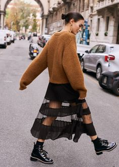 Fashion Street Style Winter Knit Dress 33 Ideas Fashion Street Style Winter Knit Dress 33 Ideas History of Knitting Yarn spinning, weaving and stitching jobs such as BC. Fashion Mode, Fashion Week, Look Fashion, Trendy Fashion, Winter Fashion, Womens Fashion, Fashion Trends, Trendy Style, Fashion Ideas