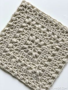 'Tulips from Holland' square 🌷 Free crochet pattern - Learn how to make this beautiful afghan square featuring the tulip stitch. Free crochet pattern on - Motifs Granny Square, Crochet Squares Afghan, Crochet Motifs, Granny Square Crochet Pattern, Crochet Blocks, Crochet Stitches Patterns, Diy Crochet, Knitting Patterns, Free Crochet Square