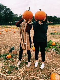 creds to: VSCO - thelittleblaney prettiest pumpkins Bff Pics, Photos Bff, Best Friend Pictures, Cute Photos, Cute Pictures, Friend Pics, Fall Pictures, Fall Photos, Fall Pics
