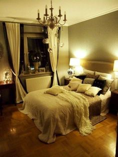 Romantic bedroom candle light canopy so romantic for Cute bedroom ideas for couples