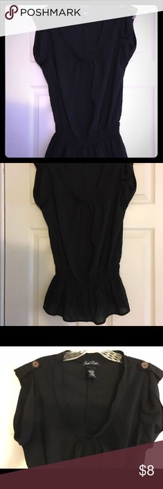 Black top Size Large EUC almost new. Tops