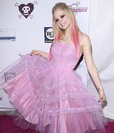 Princesa Punk, Chicas Punk Rock, Punk Rock Princess, Emo Princess, Princess Tattoo, Princess Disney, Avril Lavigne Style, Avril Lavingne, Estilo Lolita