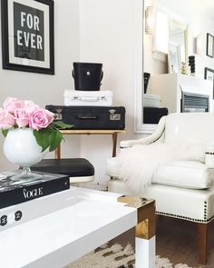 White, chic, living, room, feminine spaces, black and white, blush shop, painted trunks