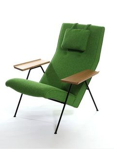 Robin Day Reclining chair, Steel frame, oak armrests, softwood seat with foam, fixed upholstery and adjustable head-cushion 70s Furniture, Mid Century Modern Furniture, Mid Century Modern Design, Shabby Chic Furniture, Vintage Furniture, Furniture Design, Simple Furniture, Modern Sofa, Robin Day