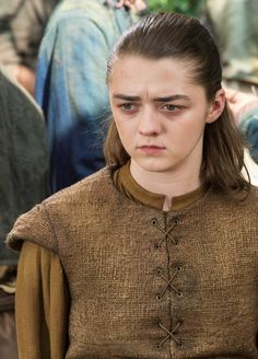 """gameofthronesdaily: """"Arya Stark dans Game of Thrones The Broken Man """"(x)"""" Game Of Thrones 6, Game Of Thrones Quotes, Khal Drogo, American Horror Story Movie, Jon Snow, A Dance With Dragons, Beautiful Costumes, Maisie Williams, Valar Morghulis"""