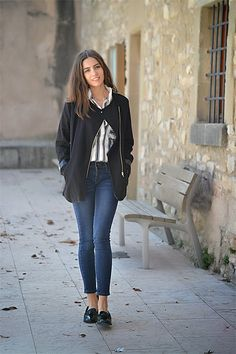 UN DÍA CUALQUIERA - Look with stripped shirt by Stylemoi and black coat by Sheinside.