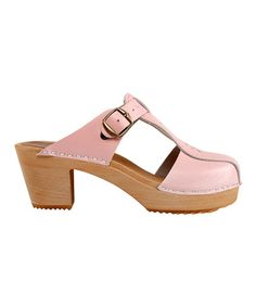 Loving these pink leather clogs!