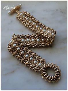 Maria :il mio hobby!: Bracciale dorato con perle di fiume!!