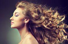 Cómo tratar el cabello esponjado y rebelde sin usar productos químicos