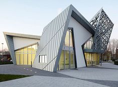 Modern Villa Libeskind by Studio Daniel Libeskind....i love architecture that looks like sculpture..