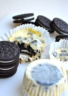 I made these for my sister's housewarming and they were a big hit!! only,I crushed oreos for the bottom instead of a whole one....