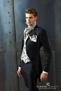 The Perfect Wedding Dress For The Bride - Aspire Wedding Modern Gentleman, Gentleman Style, Suit Fashion, Mens Fashion, Fashion Outfits, Gothic Fashion, High Fashion, Mode Costume, Hommes Sexy