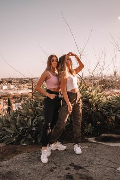 See more of josiejabs's content on VSCO. Best Friends Shoot, Best Friend Poses, Cute Friends, Poses With Friends, Cute Poses For Pictures, Cute Friend Pictures, Photos Bff, Friend Photos, Foto Best Friend