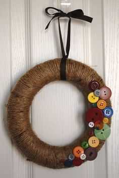Button/Twine Wreath - Fall- I'm dying over the cuteness!