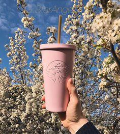 Pinterest : tumblr teen Starbucks Tumbler Cup, Personalized Starbucks Cup, Starbucks Venti, Custom Starbucks Cup, Starbucks Logo, Personalized Cups, Starbucks Drinks, Starbucks Holiday Cups 2019, Disney Starbucks