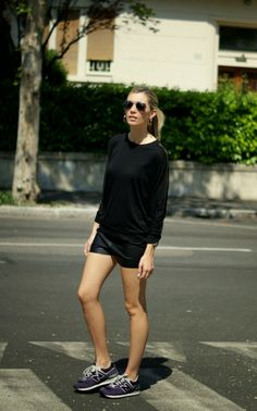 Themidniteblues, blogger, blog, street style, style, mercedes maya, model, blonde, total black, new balance, mesh, sport, comfy, aviator, barcelona, vintage, italy, ootd, outfit, wiw, how to wear, look, lookbook, http://stylelovely.com/themidniteblues/2014/04/30/sporty-black-2/