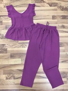 {Traditional and custom kid dress, offers the best solution. Stylish Dresses For Girls, Frocks For Girls, Baby Girl Dresses, Baby Clothes Sizes, African Dresses For Kids, Kids Frocks Design, Kids Dress Patterns, Blouse Designs, Kids Outfits