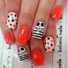 Cute nail art designs for Halloween acrylic nails - Nail Designs Get Nails, Fancy Nails, Love Nails, How To Do Nails, Halloween Acrylic Nails, Halloween Nail Designs, Disney Halloween Nails, Holloween Nails, Fingernail Designs