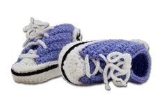 Baby Allstars patroon in nederlands En hier in het Italiaans met duidelijke foto's http://josicroche.blogspot.nl/2009/04/passo-passo-do-tenis-all-star-em-croche.html