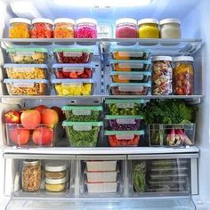 Tips to help you make your fridge a tool for healthy-eating success! Learn the 12 key items for your Eat to Live fridge and get free helpful printables! Refrigerator Organization, Kitchen Organization Pantry, Home Organisation, Recipe Organization, Kitchen Pantry, Organized Fridge, Bedroom Organization, Organization Hacks, Healthy Fridge