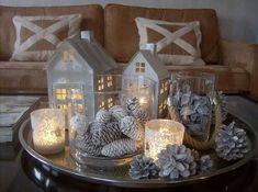 Pine cones is cylinder Magical Christmas, Christmas Mood, Simple Christmas, All Things Christmas, Christmas Crafts, Christmas Table Decorations, Decoration Table, Seasonal Decor, Holiday Decor