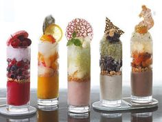 "frozen sweets verrine 【ELLE a table】""洗練さ Mini Desserts, Dessert Recipes, Dessert Ideas, Dessert Shooters, Japanese Sweets, Molecular Gastronomy, Food Plating, Plating Ideas, Cute Food"