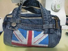 Handbag of denim shorts. Сумочка из джинсовых шорт. DIY step-by-step tutorial. http://www.handmadiya.com/2015/08/handbag-of-denim-shorts.html