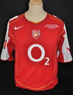 791fe1cb6 Edu Arsenal s 2005 FA Cup Final Shirt