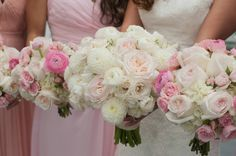 blush and white bouquet of garden roses and ranunculus by @BranchDesigns